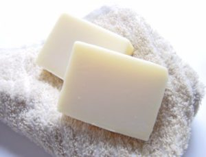 デリケートゾーンを洗うなら弱酸性の石鹸で